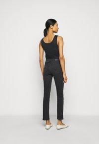 AG Jeans - THE MARI SLIM STRAIGHT - Slim fit jeans - black denim - 2