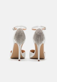 Wallis - CLEMETIS - High heels - white shimmer - 3