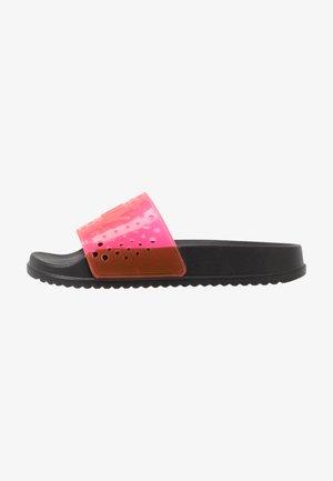 EVIE - Pool slides - black/neon pink