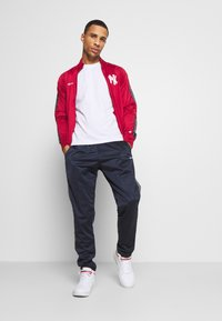 Champion - NEW YORK YANKEES TRACKSUIT - Equipación de clubes - red - 1