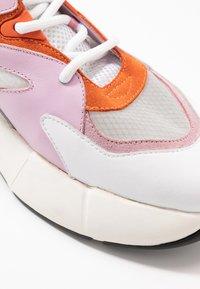 Pinko - MAGGIORANA - Joggesko - bianco/rosa/arancio - 5