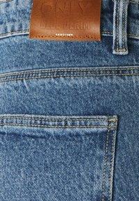 ONLY Tall - ONLEMILY LIFE - Straight leg jeans - medium blue denim - 2