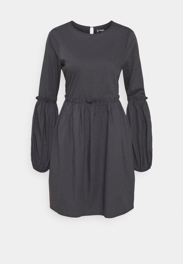 PUFF SLEEVE FRILL DETAIL SMOCK DRESS - Sukienka letnia - navy