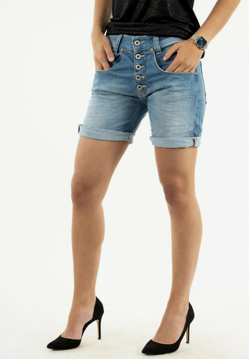PLEASE - Denim shorts - bleu