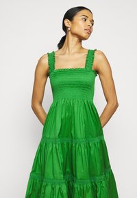 Tory Burch - SMOCKED RUFFLE DRESS - Day dress - resort green - 3