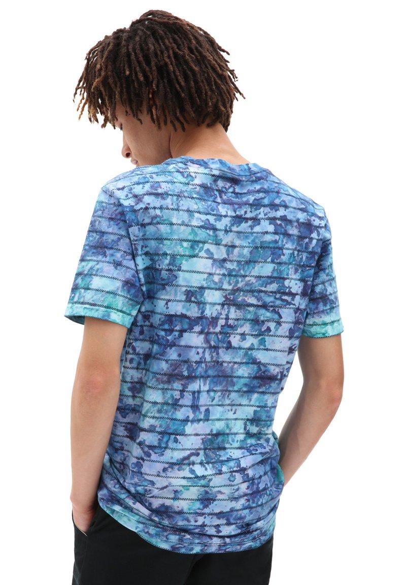 Vans - MN TIE DYE CHECKERSTRIPE II - Print T-shirt - english lavender tie dye