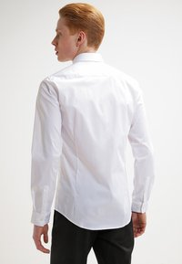 Tiger of Sweden - STEEL SLIM FIT - Formal shirt - pure white - 2