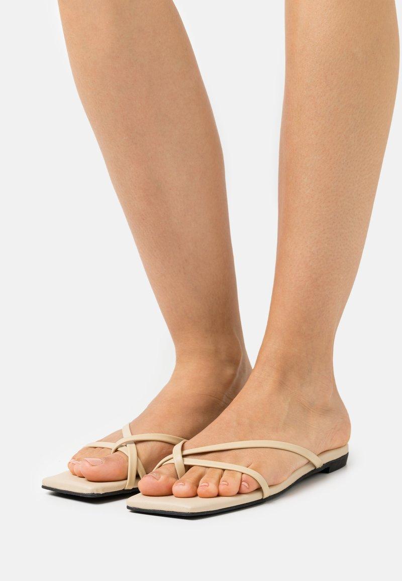 Monki - T-bar sandals - beige