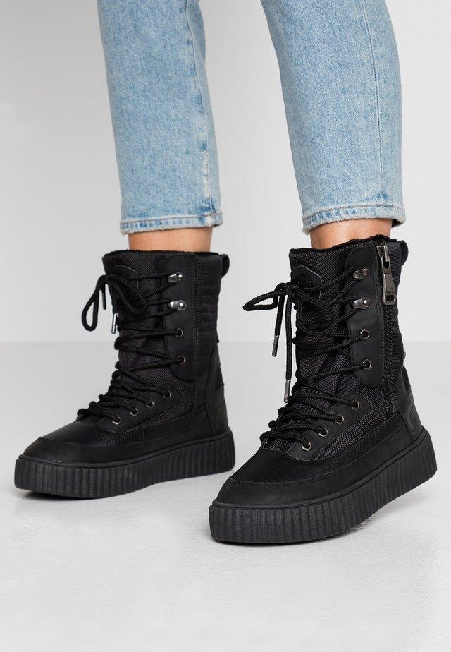CORVAL - Zimní obuv - black