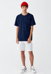 PULL&BEAR - MIT BRUSTTASCHE - T-shirt - bas - dark blue - 1