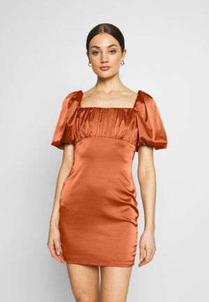 RUCHED BUST PUFF MINI DRESS - Koktejlové šaty / šaty na párty - rust