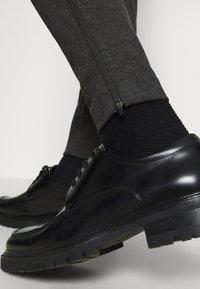 Bruuns Bazaar - POLITAN ZIP PANTS - Trousers - antracite - 5