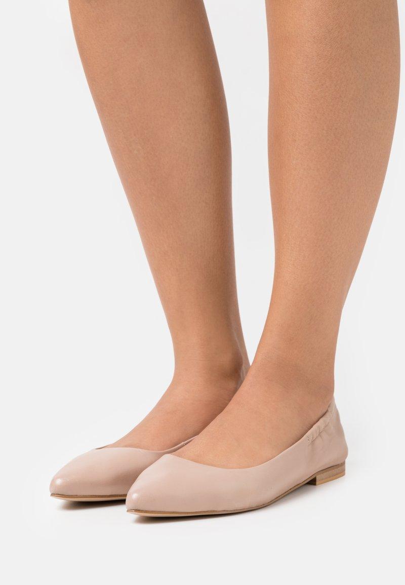 Copenhagen Shoes - Baleríny - nude