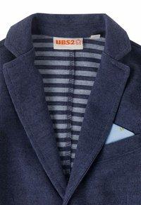 UBS2 - Sako - blue - 1