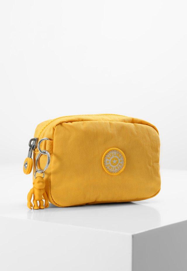 GLEAM S - Trousse - vivid yellow