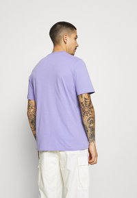 adidas Originals - ESSENTIAL TEE - Basic T-shirt - light purple - 2