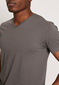 Esprit - Basic T-shirt - dark grey - 4