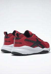 Reebok - REEBOK XT SPRINTER SHOES - Neutral running shoes - vecred/black/white - 3