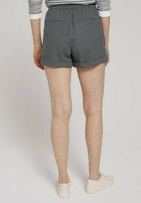 TOM TAILOR DENIM - Shorts - grey - 2