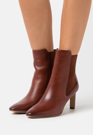 BOOTS - Bottines - cinnamon