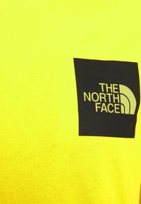 The North Face - FINE TEE - Triko s potiskem - sulphur spring green - 5