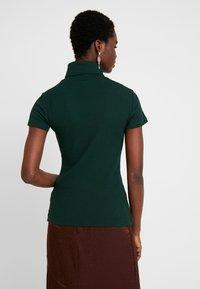 Anna Field - BASIC - T-shirt z nadrukiem - scarab - 2