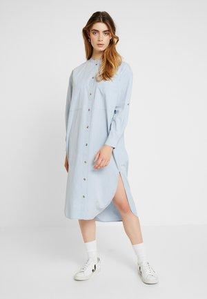 INGE DRESS - Paitamekko - blue fog