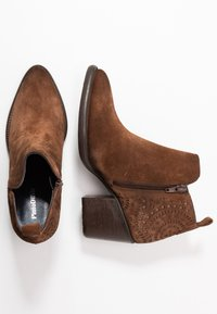 Pinto Di Blu - Ankle boots - cognac - 3