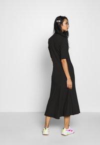 Monki - HALLEY DRESS - Jerseykjole - black - 2