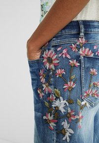 Desigual - Relaxed fit jeans - blue - 3