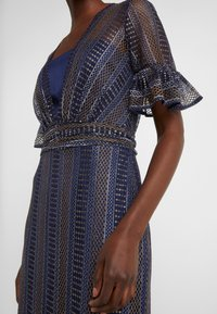 Three Floor - EXCLUSIVE DRESS - Day dress - navy gold - 8