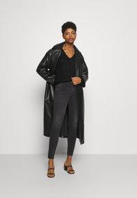 Noisy May - NMKIMMY ANKLE ZIP - Jeans Skinny Fit - dark grey denim - 1