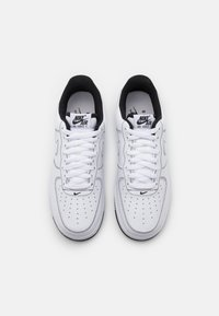 Nike Sportswear - AIR FORCE 1 STITCH - Zapatillas - white/black - 5