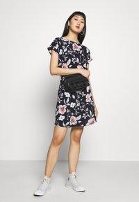 ONLY - ONLMARIANA MYRINA DRESS - Denní šaty - night sky - 1
