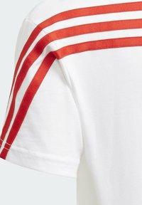adidas Performance - SUPERHERO ADVENTURES T-SHIRT - Print T-shirt - white - 4