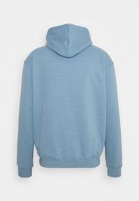 Mennace - MENNACE ESSENTIAL HOODIE - Sweatshirt - sky blue - 1