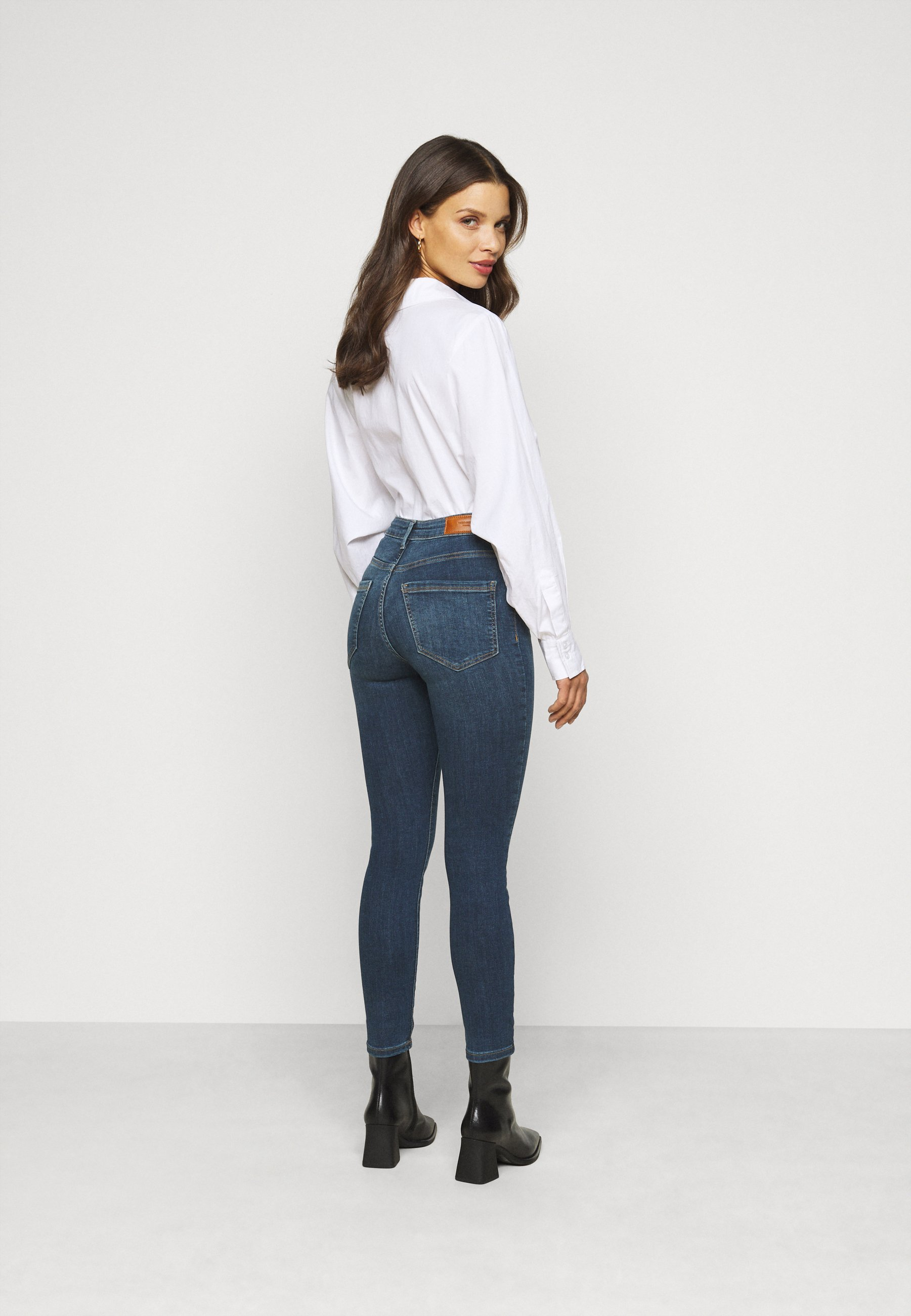 Women VMSOPHIA SKINNY JEANS PETI - Jeans Skinny Fit