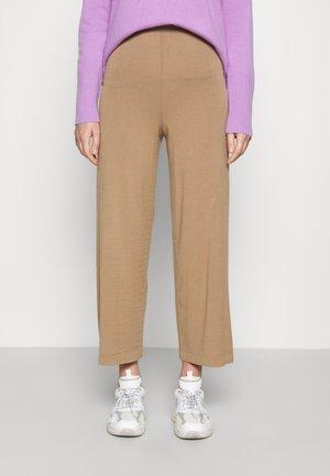 SOVRANA - Trousers - camel