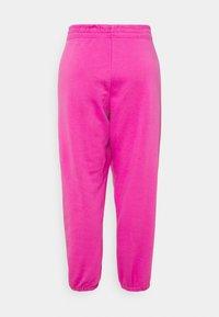 Nike Sportswear - Pantalones deportivos - active fuchsia/white - 6