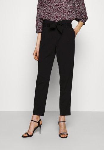 ONLCAROLINA BELT PANTS - Trousers - black