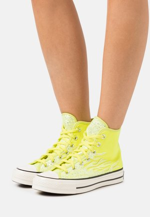 CHUCK ARCHIVE GLITTER - Sneakersy wysokie - lemon/egret/black