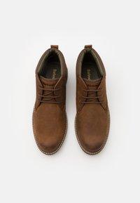 Barbour - BARNARD - Volnočasové šněrovací boty - teak - 3
