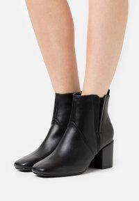Glamorous Wide Fit - Kotníkové boty - black - 0