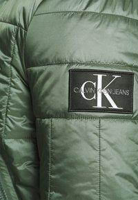 Calvin Klein Jeans - QUILTED LINER JACKET - Bomber Jacket - duck green - 4