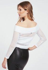 Guess - Long sleeved top - weiß - 2