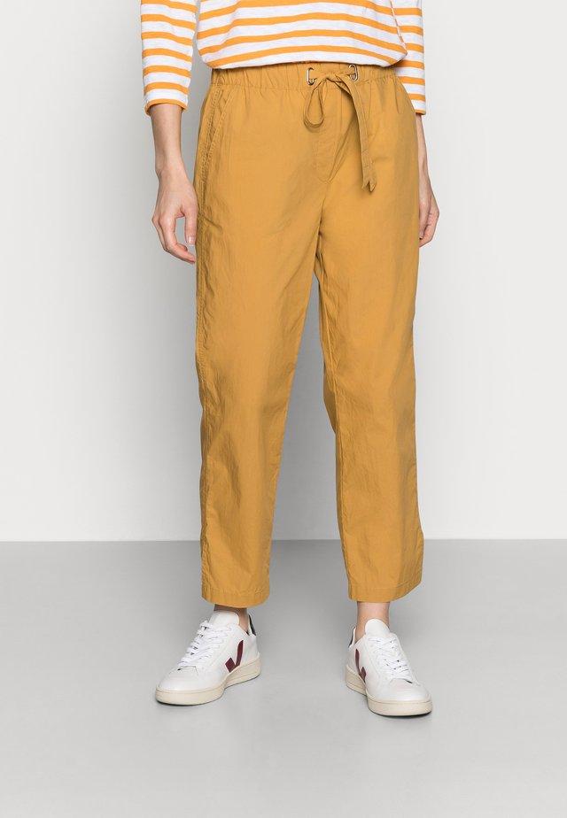 PANTS - Spodnie materiałowe - sweet corn