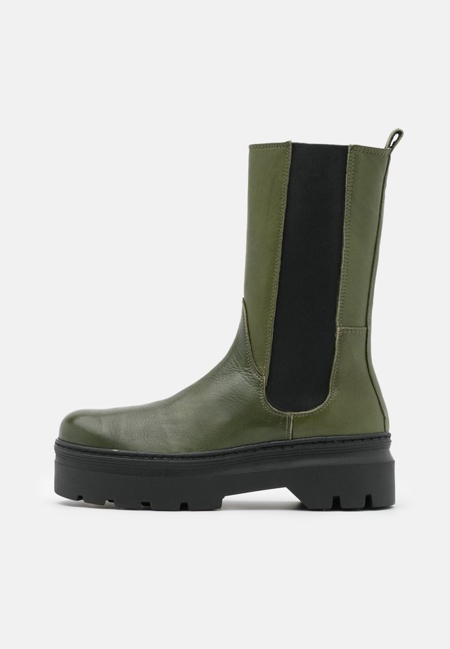 AYA - Plateaulaarzen - green