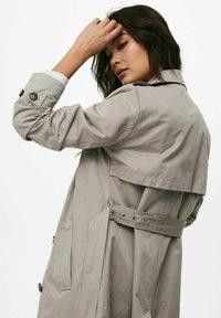 ONLY - Trenchcoat - vintage khaki - 5