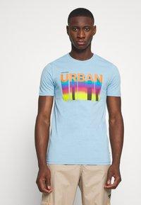 Jack & Jones - JCOHOFF TEE CREW NECK SLIM - Print T-shirt - dusk blue - 0