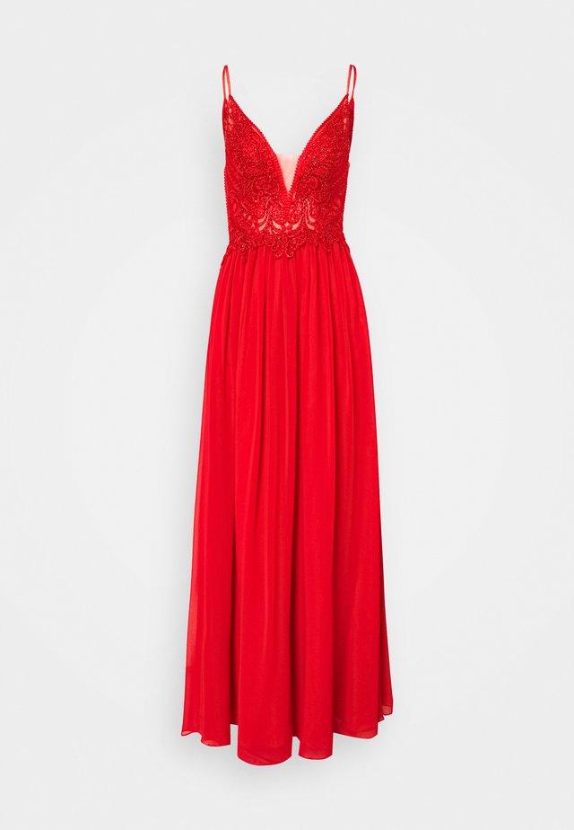Suknia balowa - red